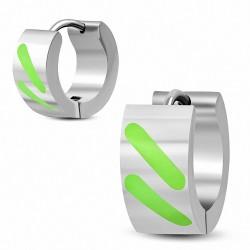 7mm |Boucles d'oreilles Huggie en acier inoxydable émaillé de rayures vertes (paire)