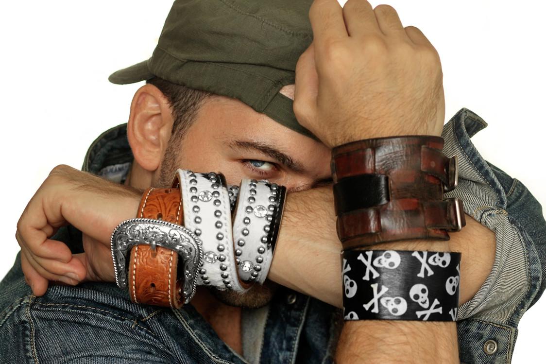 Faites le plein de bracelets hommes sur Men Street